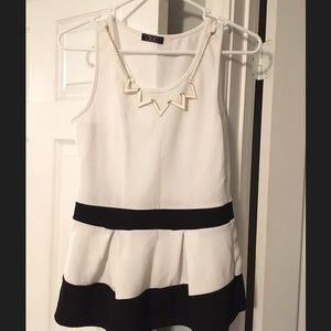 DEB dress shirt with necklace
